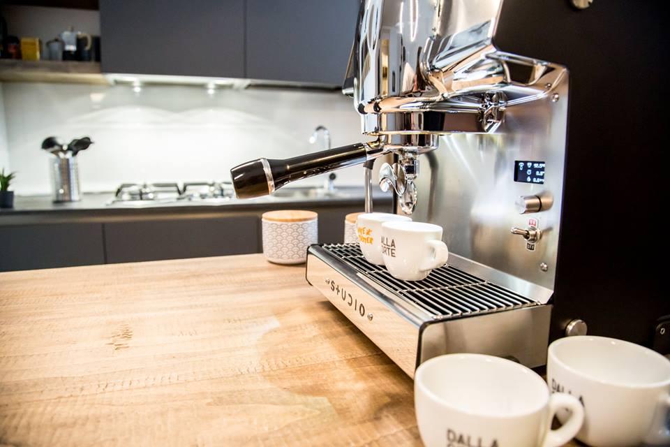 Kávovar v kanceláři